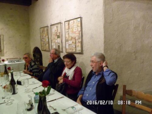 Rencontre des Confréries neuchâteloises au Château de Boudry: Elisabeth Weise, ..., ... et Alfred Zehr.