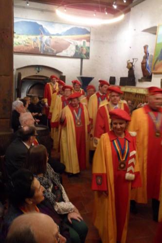 Frairie de printemps - cérémonie des intronisations: entrée des dirigeants de la CV2N en tenue d'apparat.