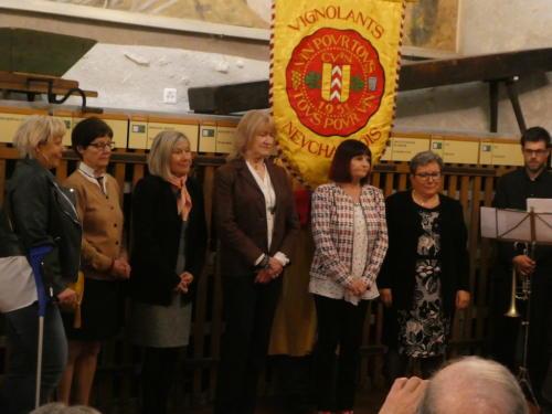 Frairie de printemps au Château de Boudry - cérémonie des intronisations: Valérie Lardon, Elisabeth Erard, Geneviève Colomb, Christine Principi, Régine Watrin et Marie-Paule Geiser.