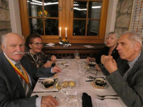 Frairie de printemps au Château de Boudry: Jean-Claude et Maya Ducommun et Francine et Philippe Kormann.