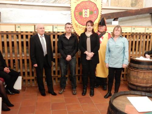 Frairie de printemps au château de Boudry - cérémonie des intronisations: Antonio Peluso, Patrick et Sandra Berger, Sylvain Ischer et Christiane Chevalley.