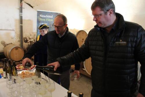 Conférence de presse pour le lancement du Non-Filtré à la Cave Gerber à Hauterive: Mado Triponez, Alain Gerber et Yann Künzi.